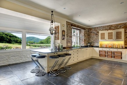 Breezy Design Of The Kitchen Brings The Outdoors Inside [From Colin Cadle Photography]