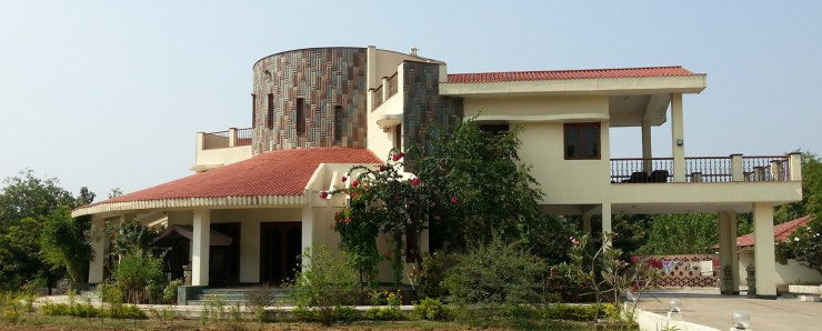 Weekend House at South Gujarat - Azmi Wadia - Women in Architecture