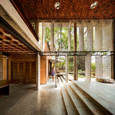 Wall House - Anupama Kundoo