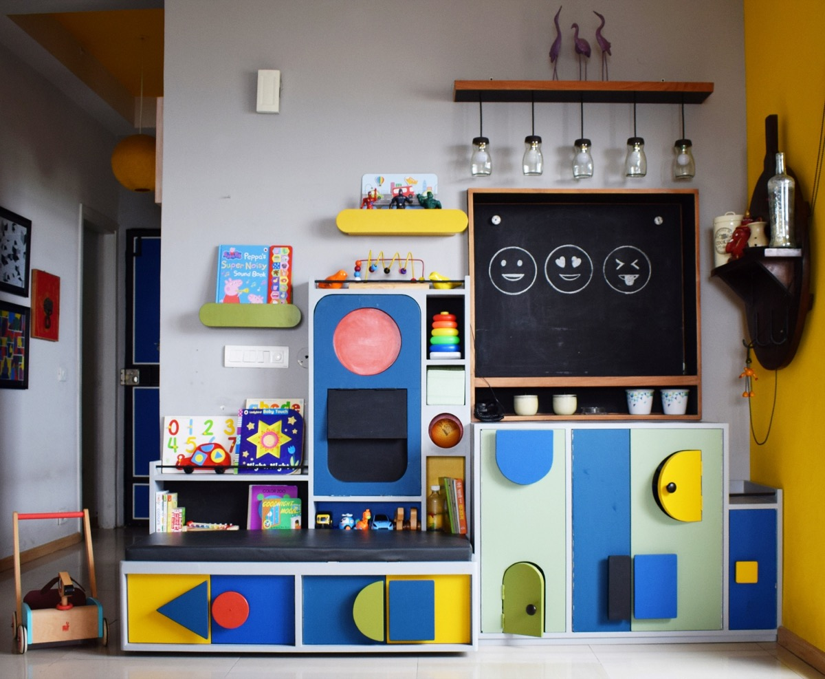 Play station in Colours, Shapes and Forms - A corner for the Toddler