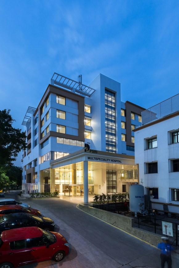 PSRI Multi-specialty hospital at New Delhi by Creative Designer Architects