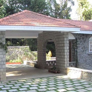 Kodaikanal house at Kodaikanal by Benny Kuriakose