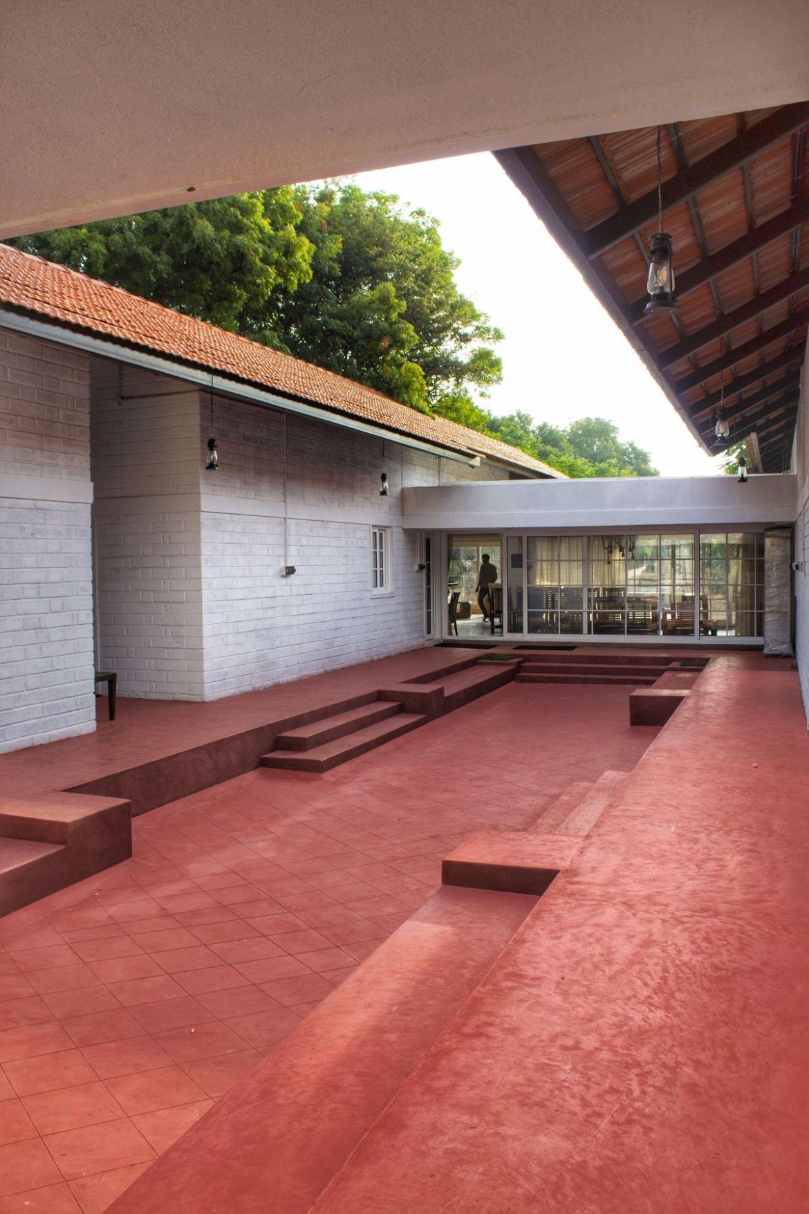 The Barn House at Tumkur, Karnataka, by Saraff & Sharalaya Design House 3