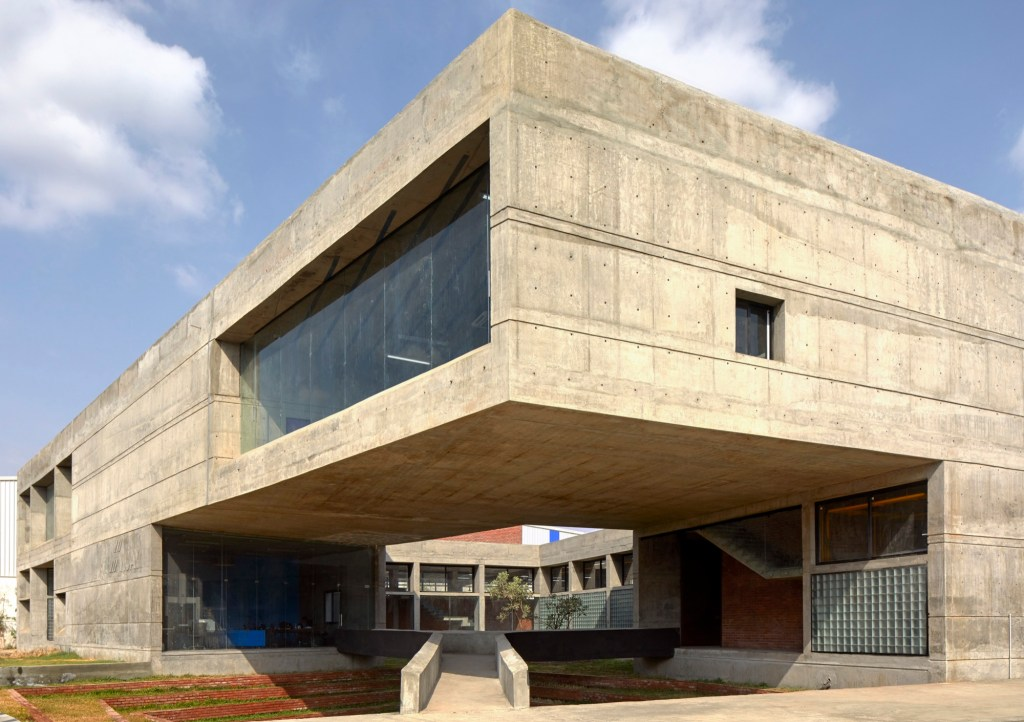 Concrete void (Vijay Transtech factory), at Bhiwandi, Maharashtra, by Sameep Padora and Associates 1