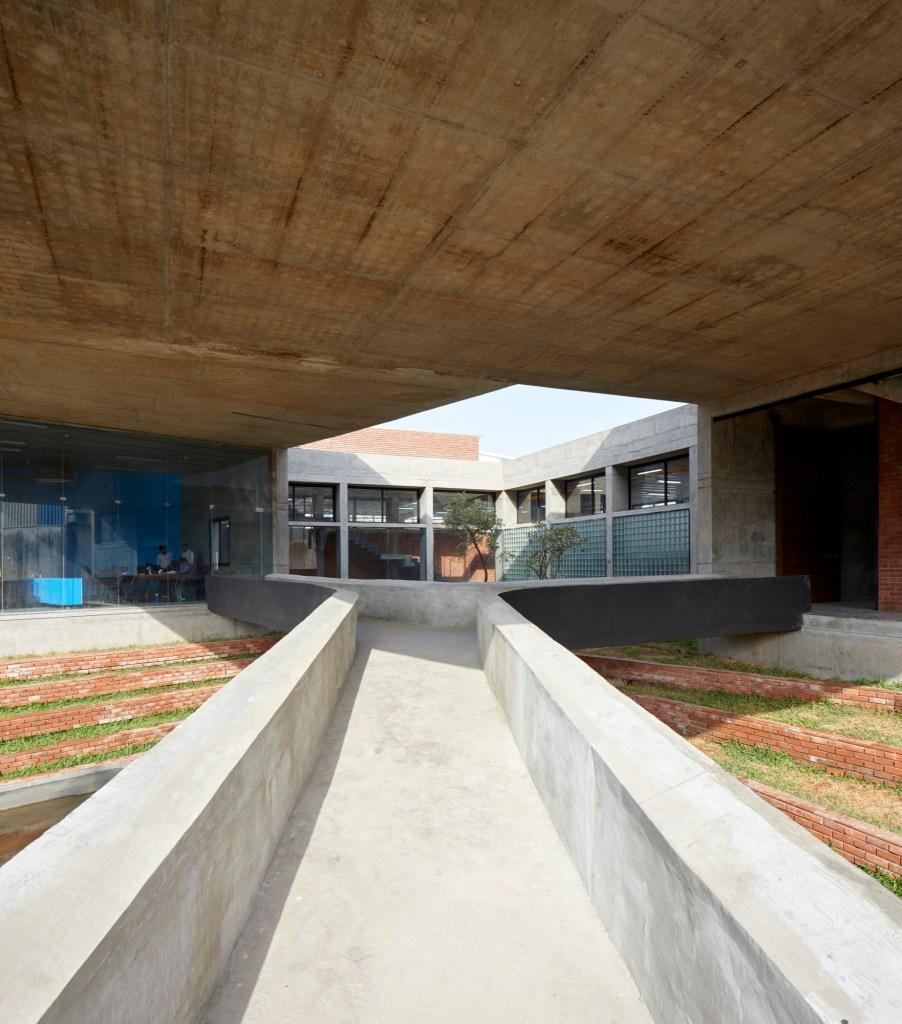 Concrete void (Vijay Transtech factory), at Bhiwandi, Maharashtra, by Sameep Padora and Associates 11
