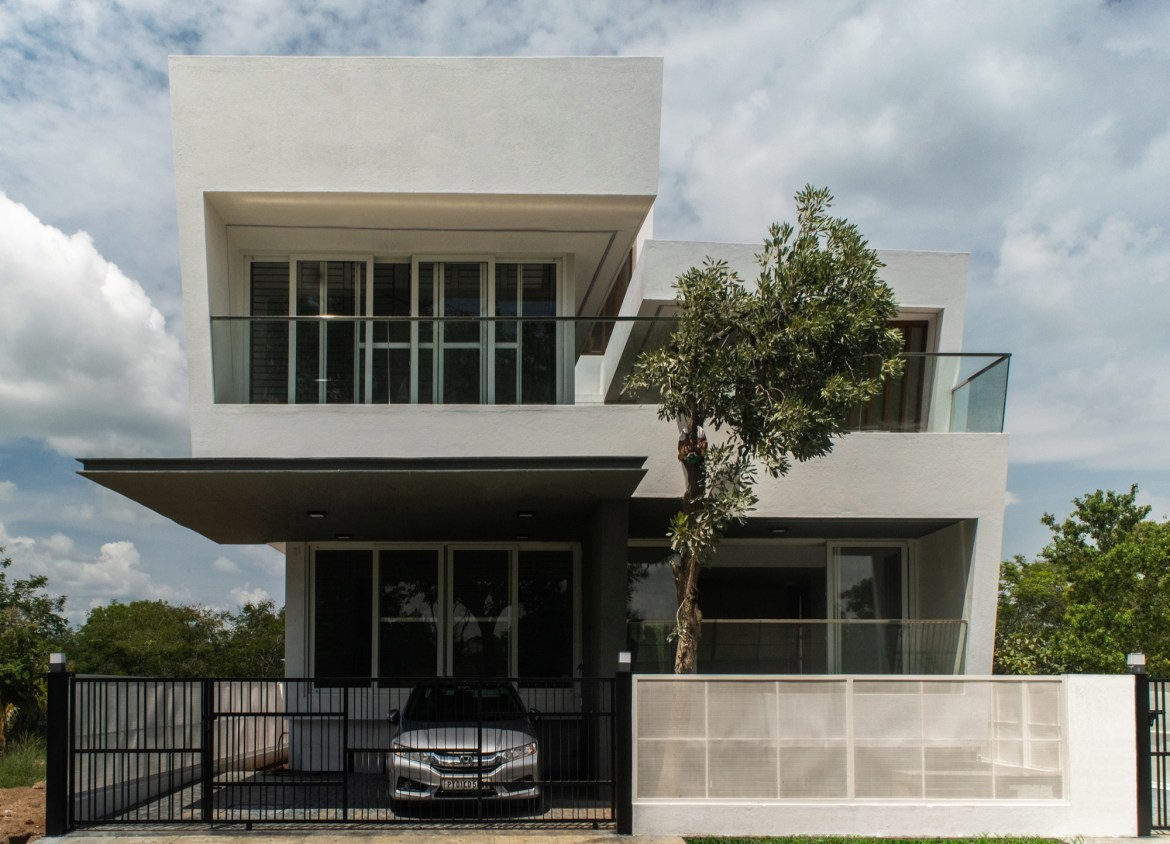 House in the Golf Course, Bengaluru, by Radical Architecture Design Consultants 1