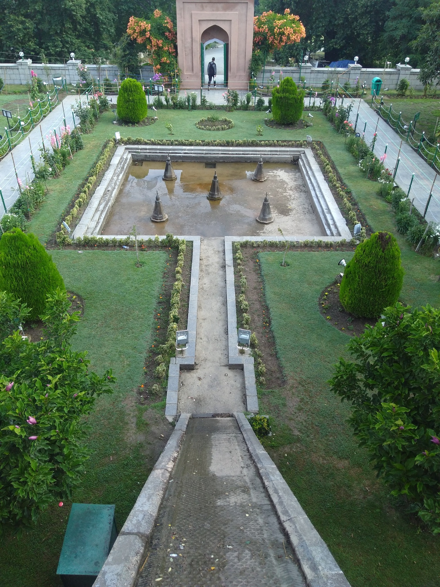 'Don't Pluck Flowers' - Design Dalda brings story from Chashme Shahi Garden, Srinagar 2