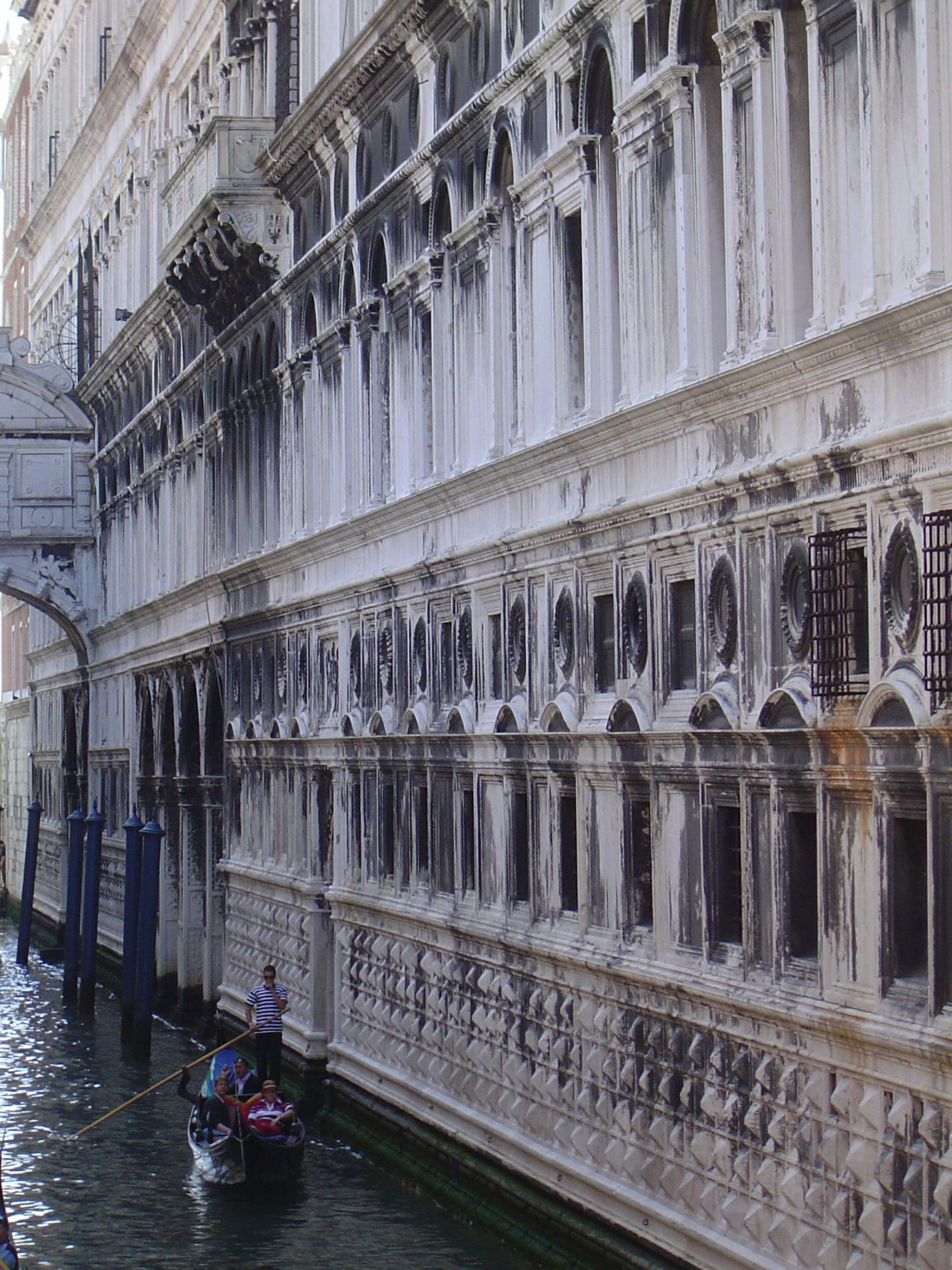 Book review: John Ruskin and the Fabric of Architecture authored by Anuradha Chatterjee 3