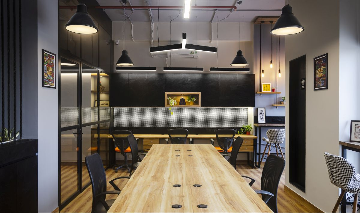 Going Back to Black – Vrnda Pharma Office, at Mumbai, by The Design Chapel. 15