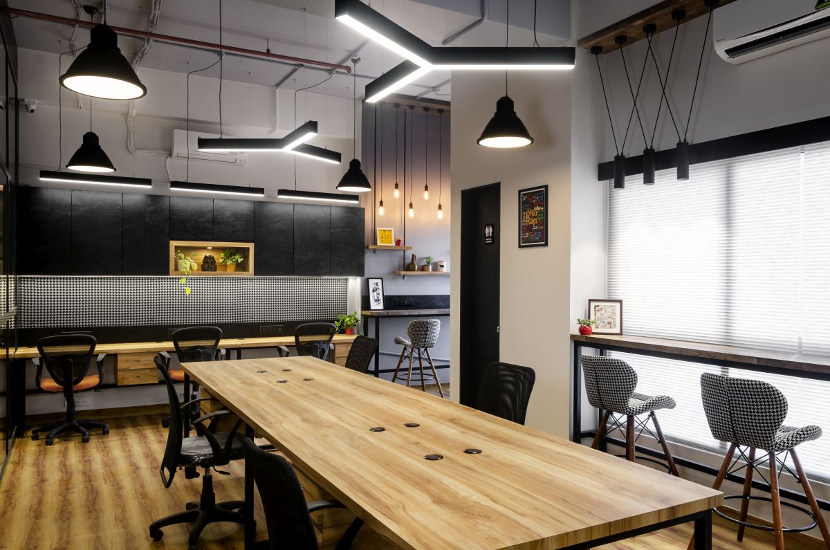 Going Back to Black – Vrnda Pharma Office, at Mumbai, by The Design Chapel. 13