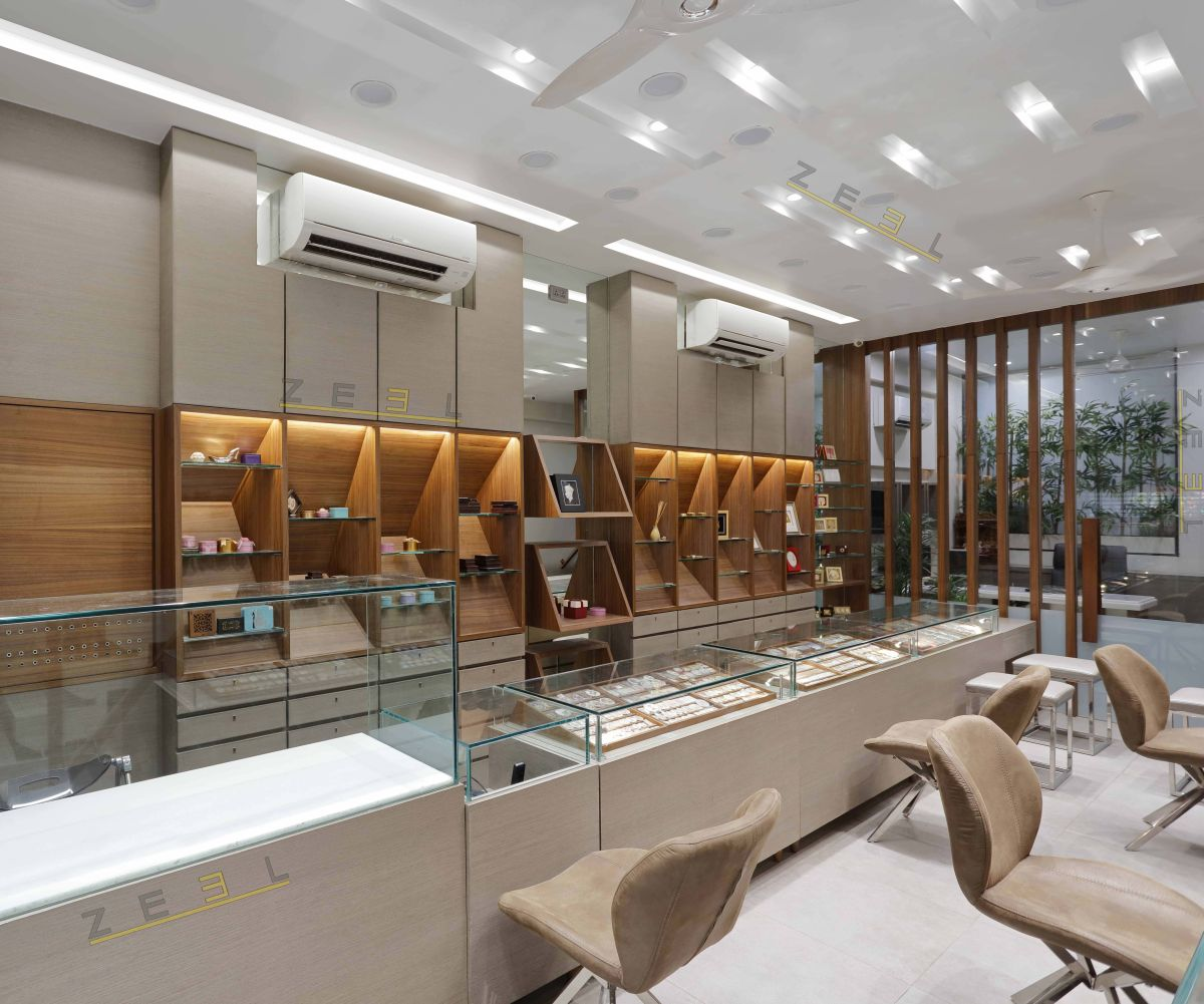 B.T Jewellers at Mumbai, by Zeel Architects