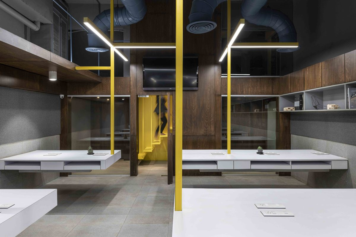 Suspended Office, at Mumbai, by DIG Architects 17