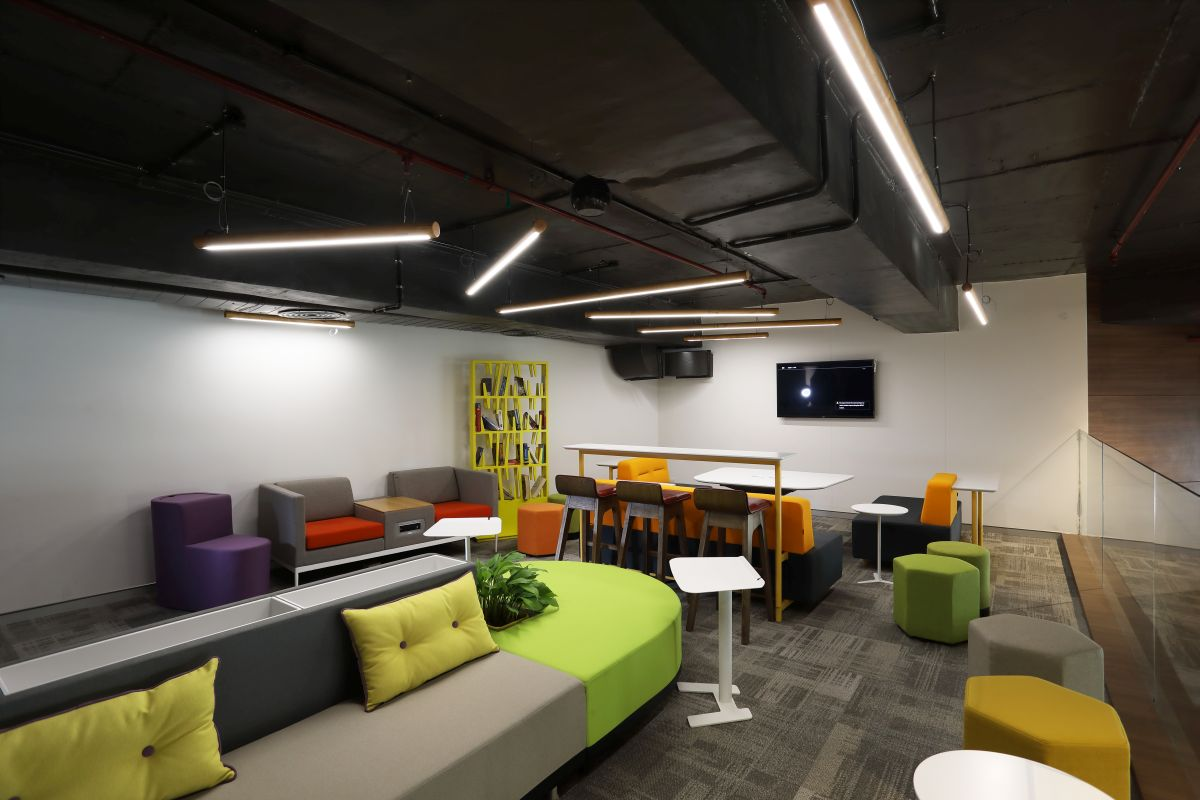 Contemporary Corporate Office, at Gurugram, Haryana, by Parag Singal Architects 6