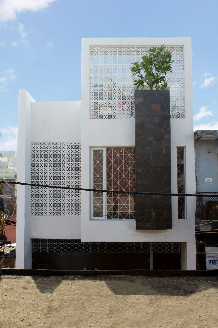 WIND SCREEN HOUSE, at NEW DELHI, INDIA, by THE DESIGN ROUTE