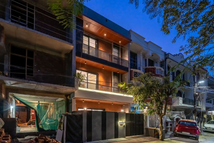 Tropical House, at Noida, U.P, by Unbox Design 4