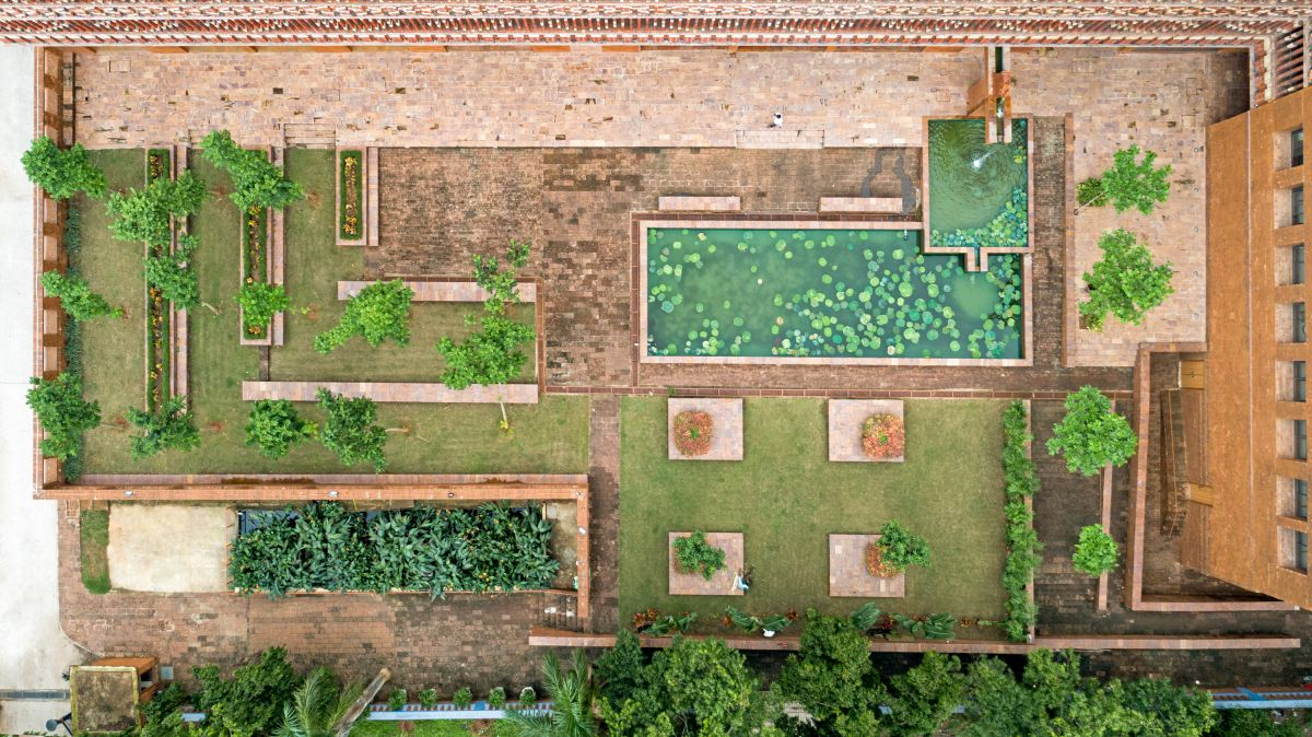 Krushi Bhawan   150 Local Artisans Come Together to Craft a Civic Building in India, by Studio Lotus 36
