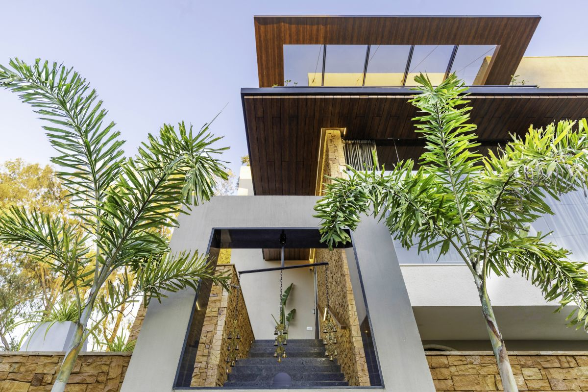 Yellow Stone House, at Indore, by Span Architects 53