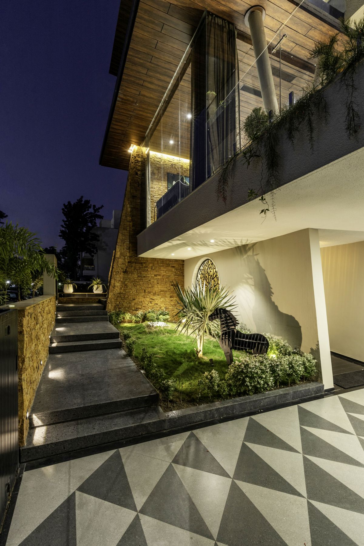 Yellow Stone House, at Indore, by Span Architects 16