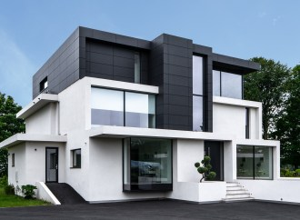 Case Study: Contemporary home by Reynaers