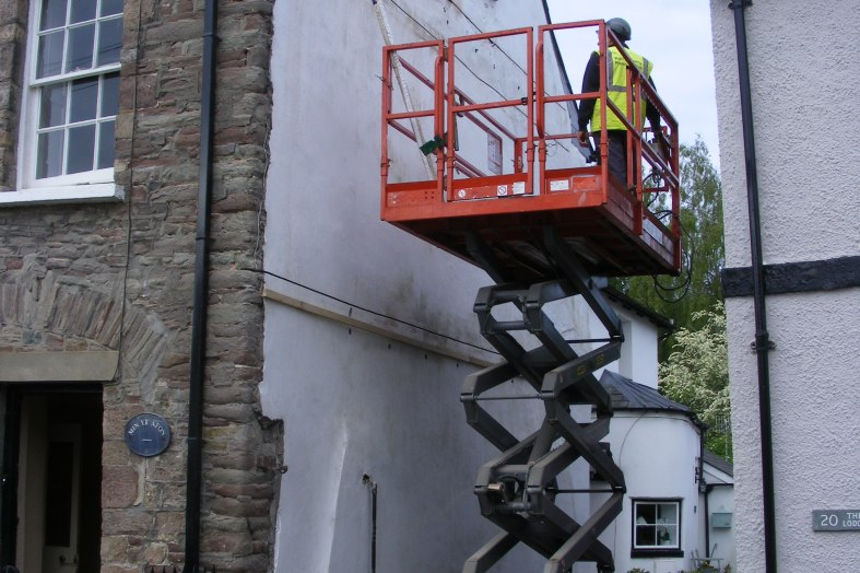 Non-disruptive repairs helps to find a new owner for Welsh period cottage