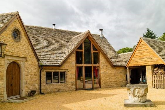 Steel Window Association member helps to transform former workshop into luxury home