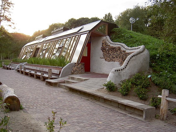 Earthships in Australia – Would you build one?
