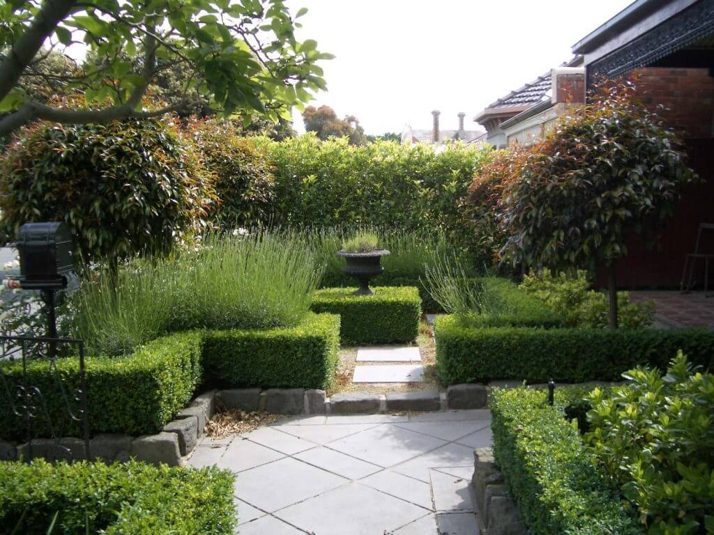 20 Awesome Courtyard Designs That Will Make Your World Green on Courtyard Patio Ideas id=77663