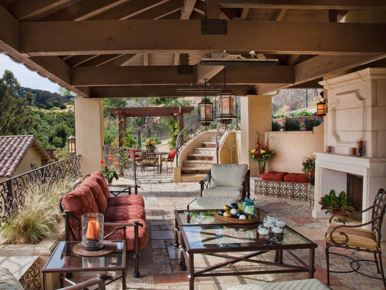 15+ Enhancing Backyard Patio Design Ideas For Small Spaces on Small Backyard Living Spaces  id=97636