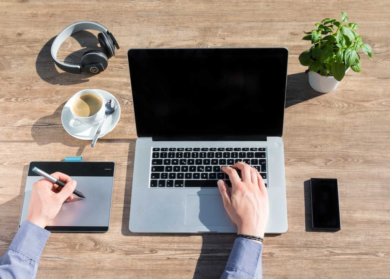 Top 15 Electronic Gadgets To Make Your Office Work Easy
