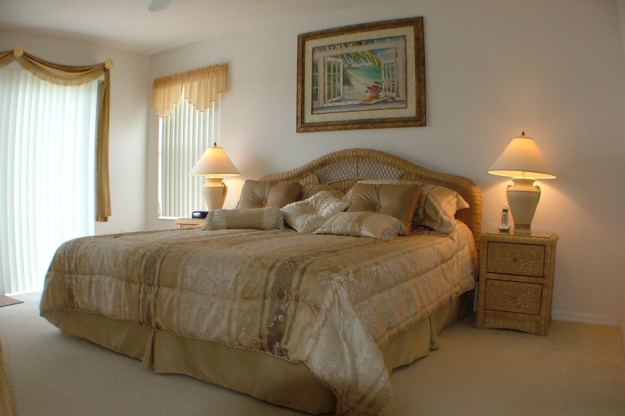 30+ Amazing Traditional Ideas To Style Your Bedroom on Bedroom Decoration Ideas  id=90282