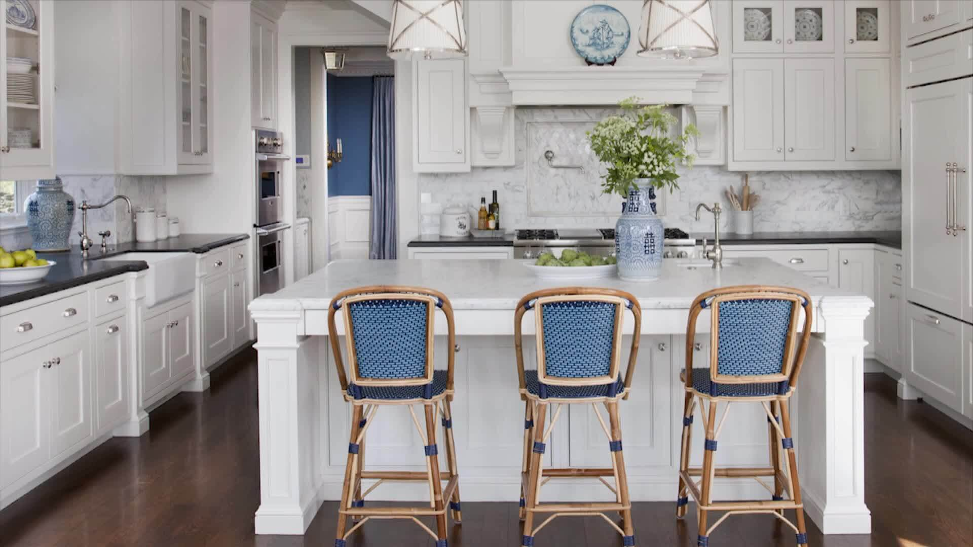 20 Spectacular Traditional Kitchen Design That Leave ... on Traditional Kitchen Decor  id=95198