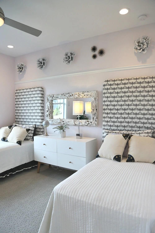 15+ Inspiring Teenage Girl Bedroom Ideas That She Will Love on Small Bedroom Ideas For Teenage Girl  id=59287