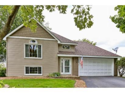 split-level-house-beige