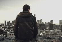 samotny mężczyzna