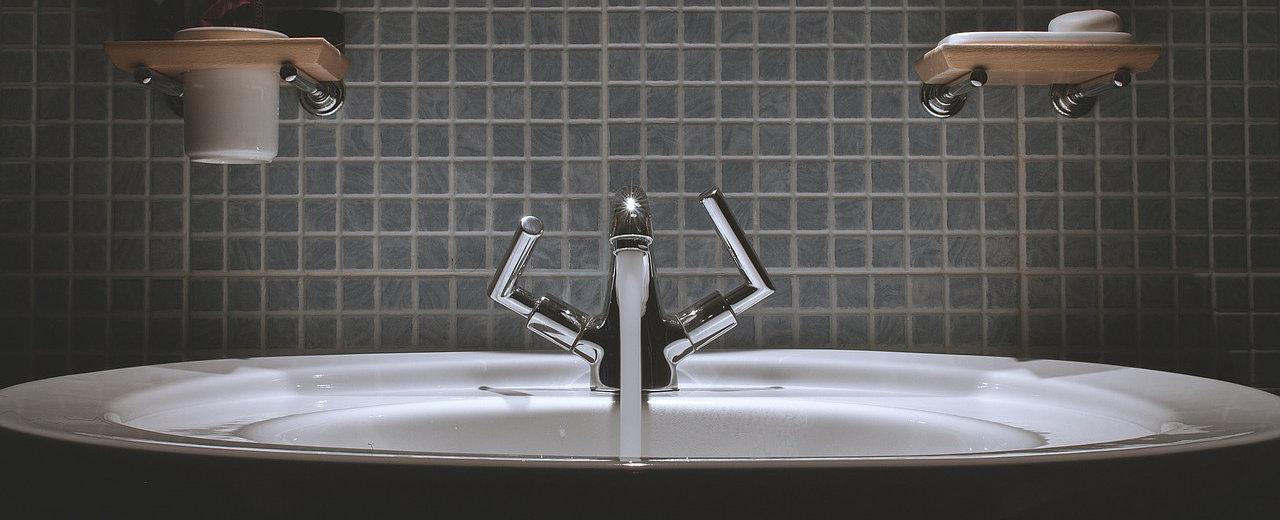 Vasca Da Bagno Si O No : Vasca o doccia architettura a domicilio