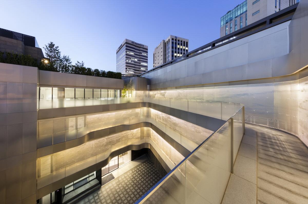 Platform L Contemporary Art Center Architizer