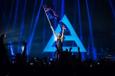 Jared Leto waves the Australian flag