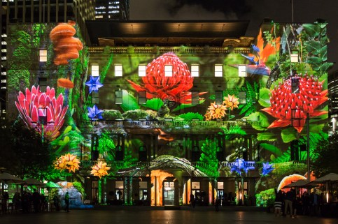Vivid Sydney 2015 : Enchanted Sydney Customs House