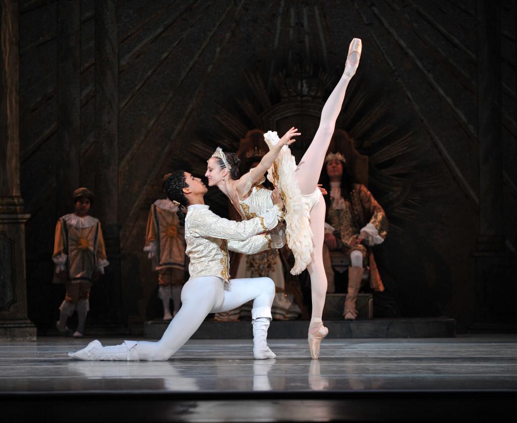 charlotte-ballet-jean-pierre-bonnefouxs-sleeping-beauty-photo-by-peter-zay-1