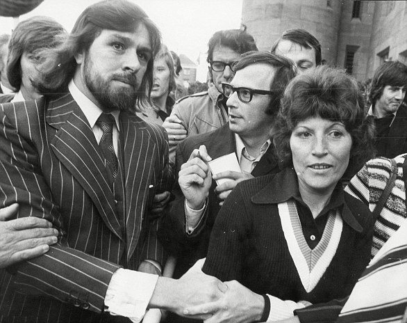 Along with his 'Shrewsbury Two' partner Des Warren, Mr Tomlinson had helped to organise the first national building workers' strike. He is pictured with his wife Marlene after being freed from Leicester prison