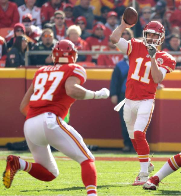 NFL: Chiefs' Alex Smith struggles as offense continues to ...