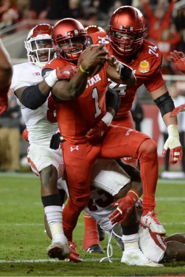 Utah football: Tyler Huntley intrigues with reps at ...
