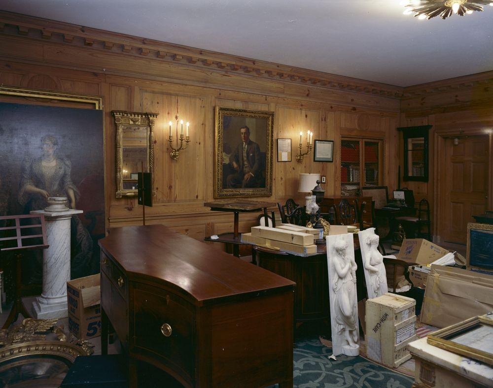 KN C21630 Curators Office White House John F Kennedy