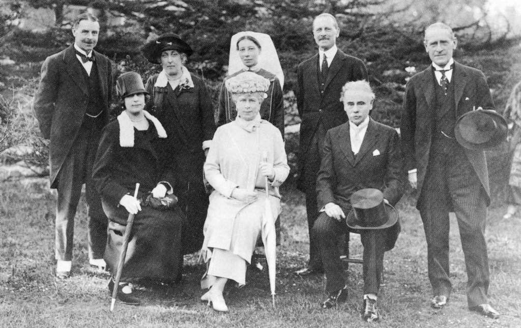 Queen Mary opens extension 6th ay 1925