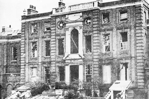 Roehampton House damaged by a World War Two bomb