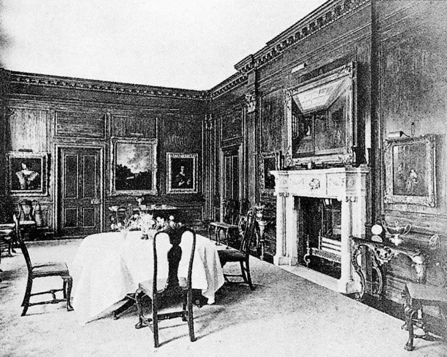 1912 Dining room of Roehampton House