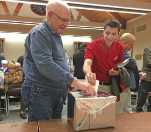 Republican voters cast their choices for the GOP governor and U.S. senator candidates during a straw poll Friday evening at Kent Town Hall. Lynn Mellis Worthington Republican-American