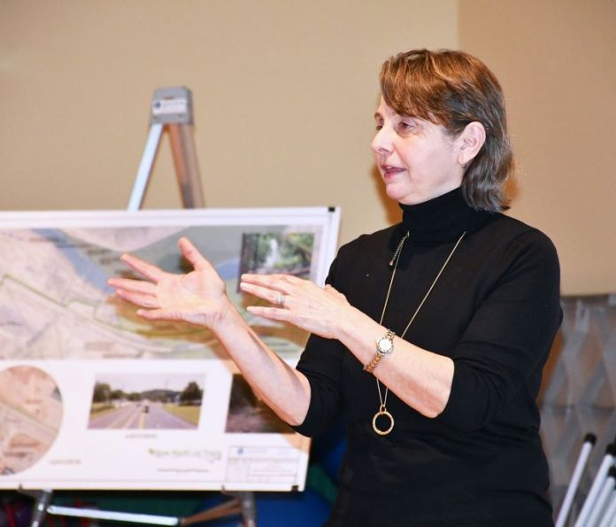 NEW HARTFORD, CT-FEBRUARY 13, 2020-021320KB02-Planner Valerie Ferro of Anchor Engineering explains the plan for a multi-use recreational trail in New Hartford to a crowd of about 60 persons last Thursday evening. Kathryn Boughton/Republican-American