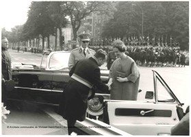 Fête nationale du 21 juillet 1963 au square Montgomery, photo, Archives communales de Woluwe-Saint-Pierre | Nationale feestdag van 21 juli 1963 op Square Montgomery, foto, Gemeentearchief van Sint-Pieters-Woluwe