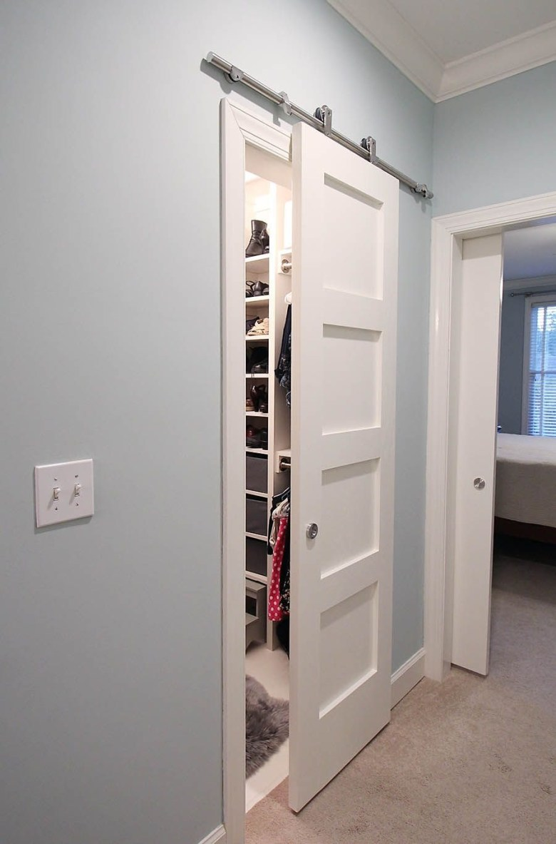 Closet with Single Slide Door